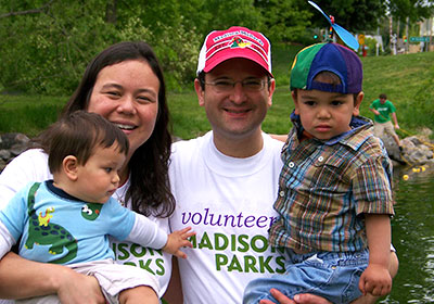 Family volunteering in Madison Parks