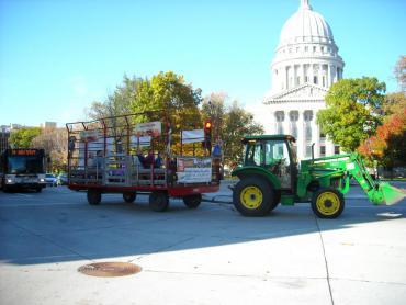 tractor haywagon ride