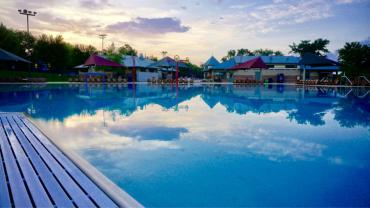 goodman pool sunrise