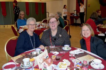 Guests at 2017 Classic English Tea event