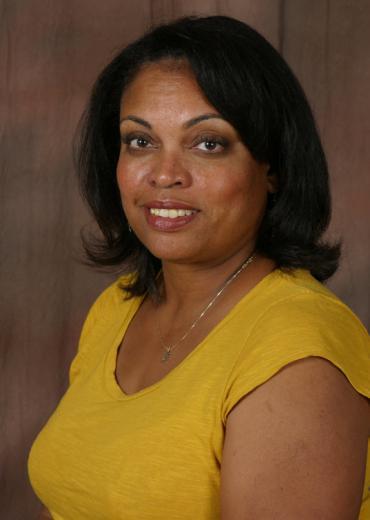Dr. Eva Vivian