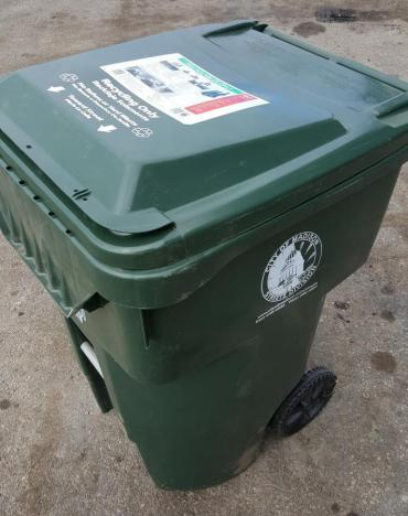 Keep recycling lid closed when its out for collection