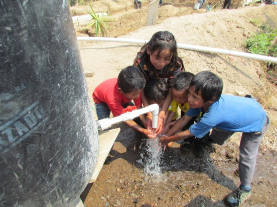 children in Guatemala get running water